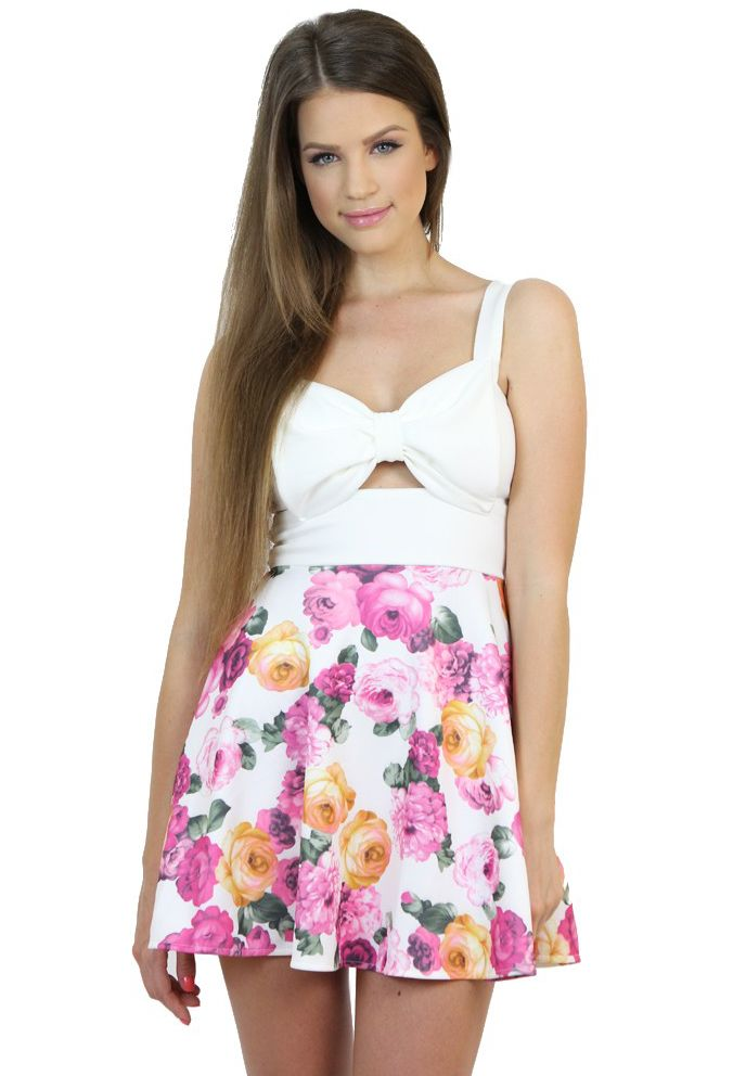 Look like a real summer princess with this floral print two-tone dress..Available at www.famevogue.ro .  #dress #floral #fashion #style #trends