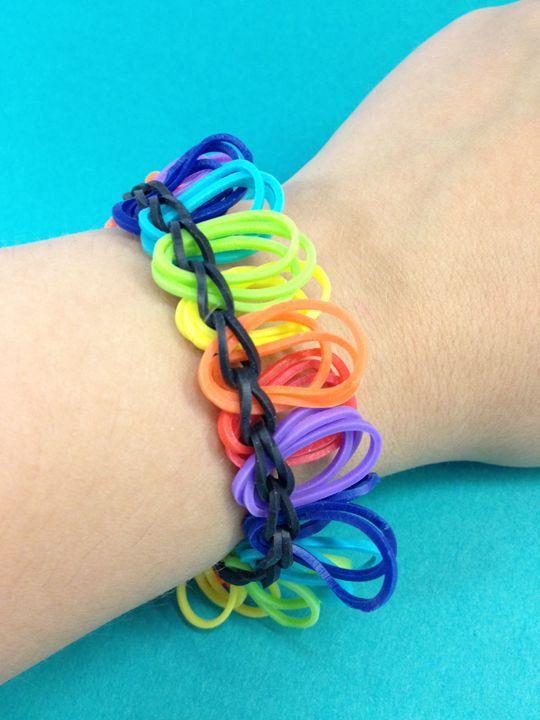 A fun rainbow colored bandaloom bracelet! #rainbow #bands #loom