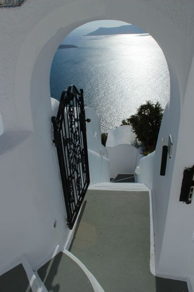 Architecture of Santorini, greece selected by www.oiamansion.com