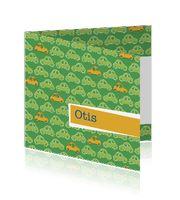 Jongens geboortekaartje apart en stoer in het groen met oranje en een auto-patroon