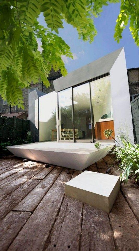 Faceted house - modern small house garden design