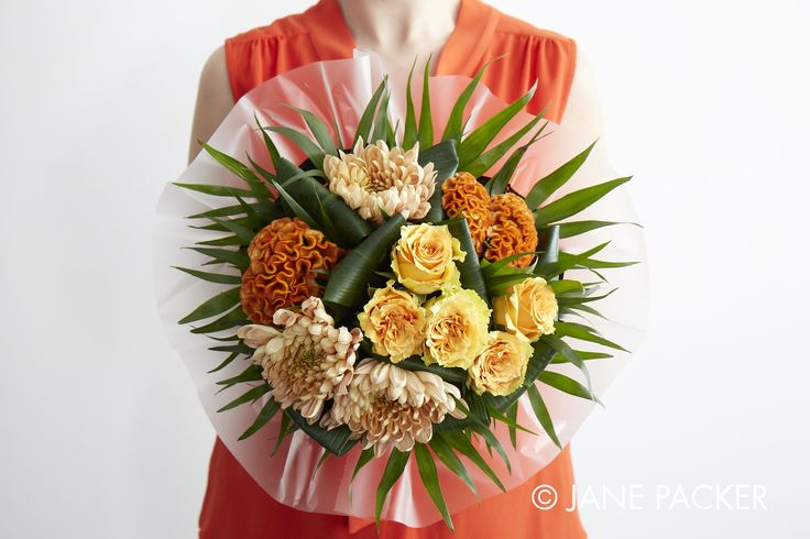 """""""Mango"""" bouquet from the Jane Packer online collection Summer Fruits 2016"""