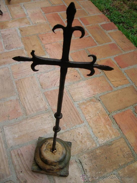Cruz de hierro forjado forja muy bonita y muy antigua yo - Colgadores de hierro forjado ...