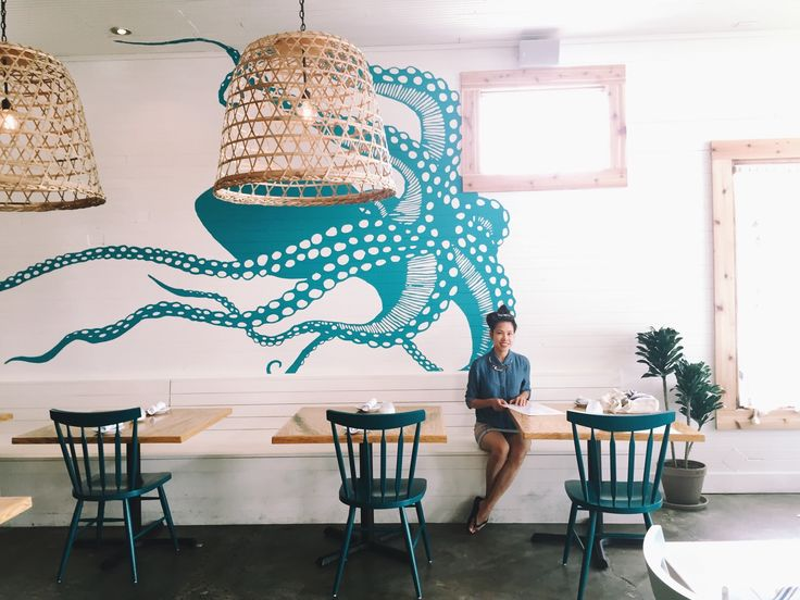 This Latin-inspired seafood restaurant features delicacies like Gulf oysters, crab cakes and ceviche. The nautical-themed interior features big windows and a giant mural of an octopus.