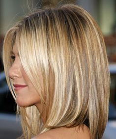 jennifer side view hair color blond caramel highlight