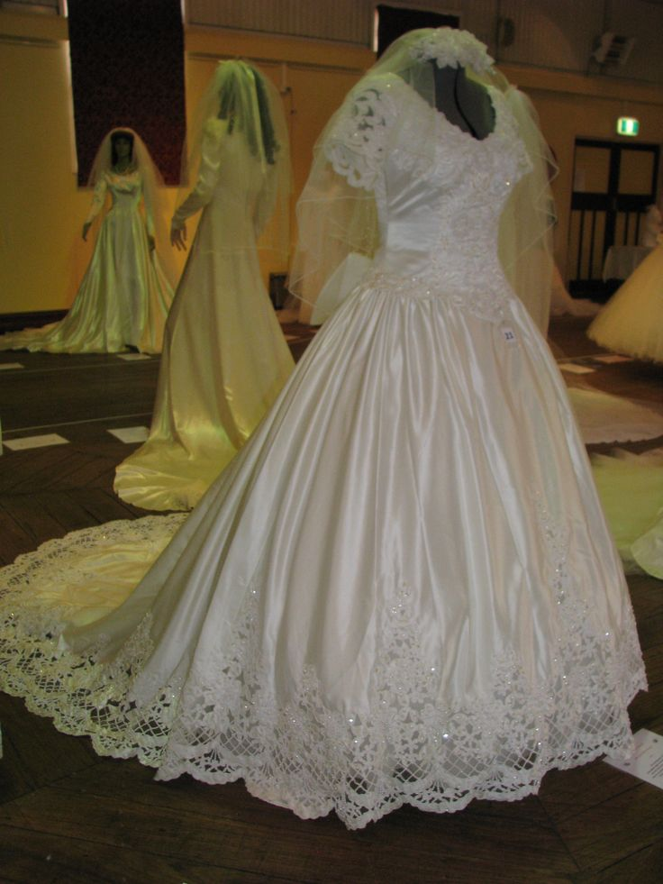 19 best part of my personal collection of vintage wedding for Vintage wedding dresses perth