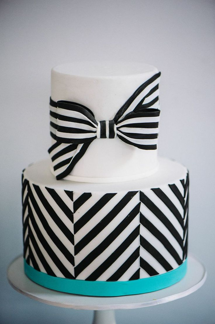 302 best CAKES BLACK & WHITE 3 images on Pinterest | Beautiful cakes ...