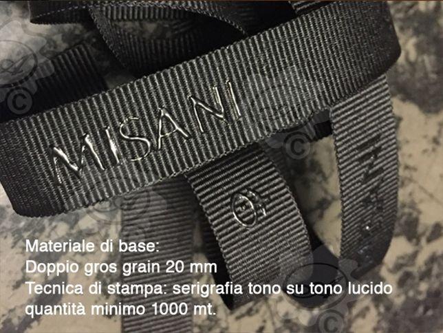 Nastro in grosgrain personalizzato, stampa tono su tono in silicone lucido ecologico.