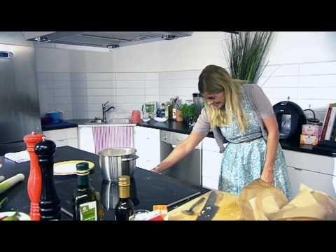 Pernilla Wahlgren lagar fisksoppa - vardagsmaten.se