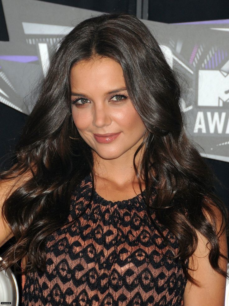 What Is Katie Holmes Hair Color