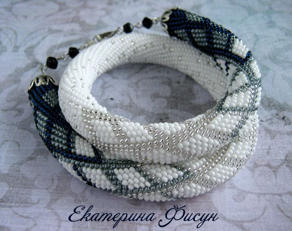 FREE SHIPPING! - Seed Bead crochet rope necklace - Beaded necklace - Beaded jewelry - Beadwork - Spiral Beaded - Geometric pattern