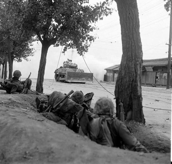 the korean war 1950 On june 25, 1950, the korean war began when some 75,000 soldiers from the  north korean people's army poured across the 38th parallel, the boundary.