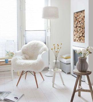 Simla   Ventas en WestwingRINCÓN SCANDI  Si dispones de espacio en el salón  puedes crear una zona de lectura con  una lámpara de pie y una confortable silla de estilo scandi.