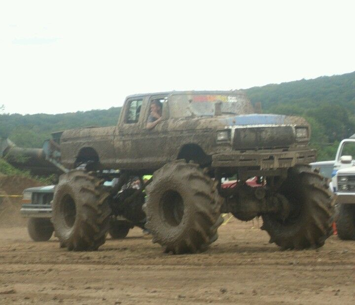 Jacked Up Atvs >> 17 best images about Mud bogger 4x4's on Pinterest