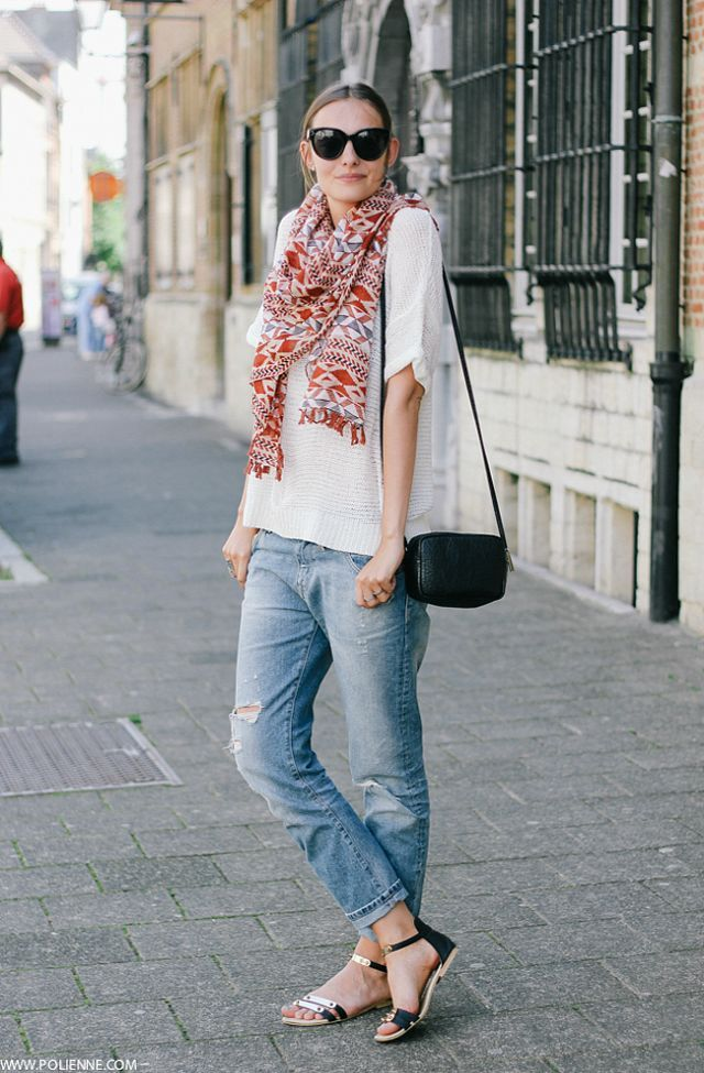 How to Wear a Scarf in Summer waysify