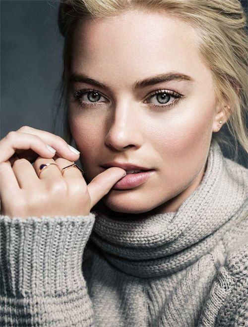 Margot Robbie photographed by Mark Mann at Sundance 2015.