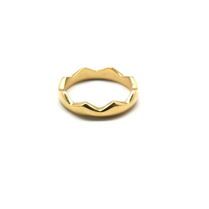 Este anillo es perfecto para usarse de dedo completo o como anillo de medio dedo en talla chica. Se recomienda adquirir la pareja de anillos Plateado/Dorado ya que juntos dan vida a un nuevo anillo.