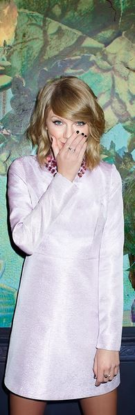Who made  Taylor Swift's pink gem collar dress?