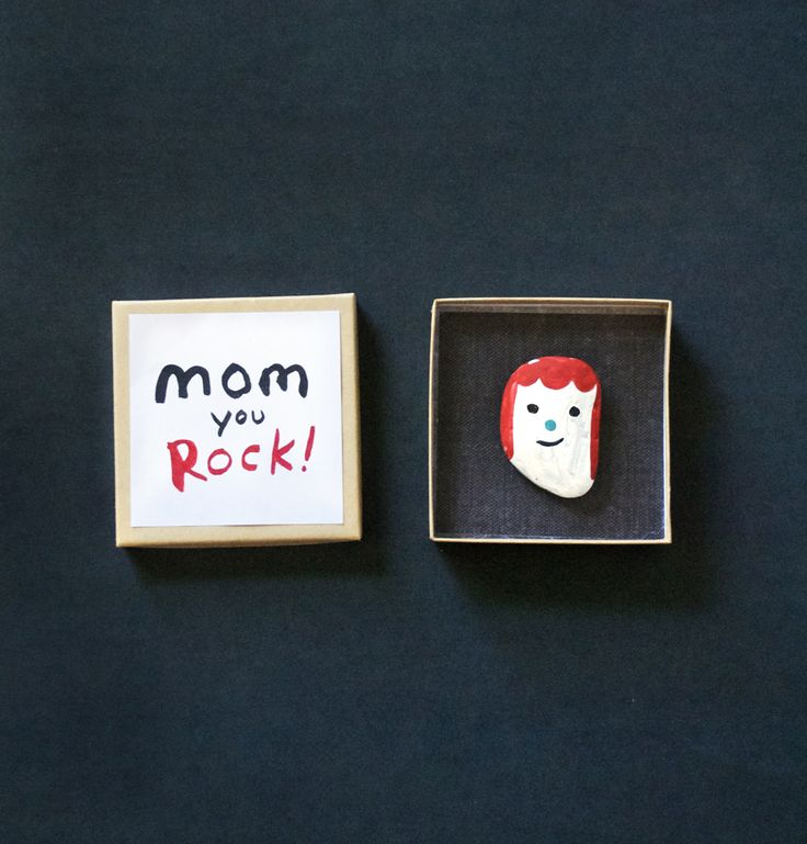 Make a Rock Portrait for Mom with printable label