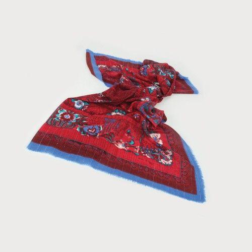 Șal Odile St. Germain, din voal de lână, anii '80, piesă rară, de colecție 140 x 140 cm Preţ de pornire: € 250