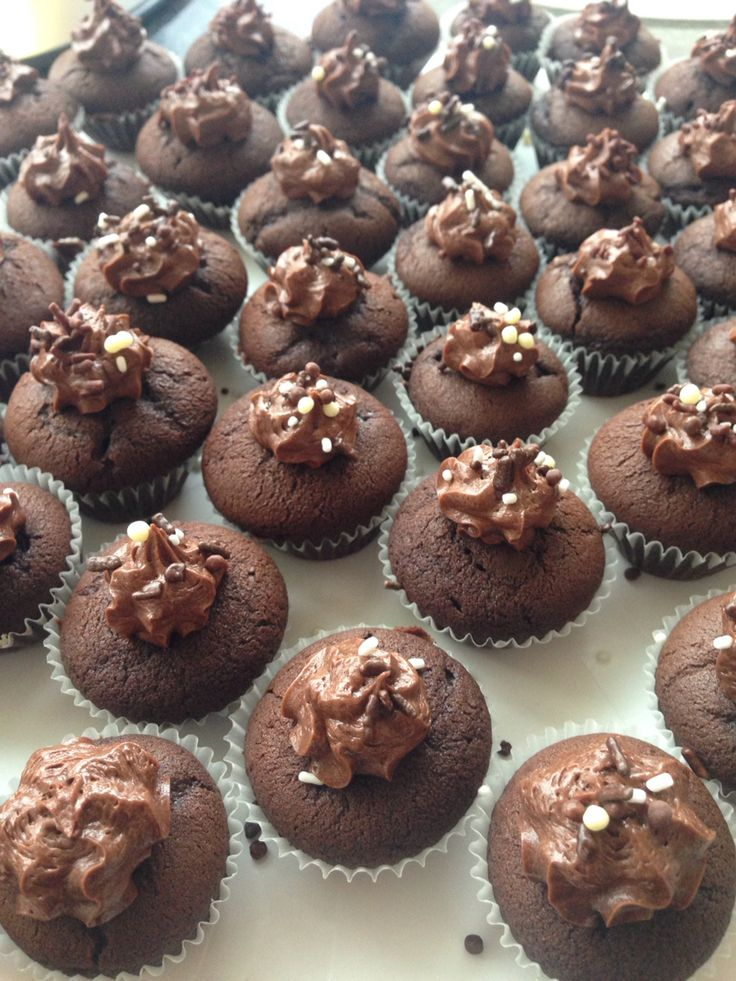 Heaps and heaps of delicious mini chocolate cupcakes!