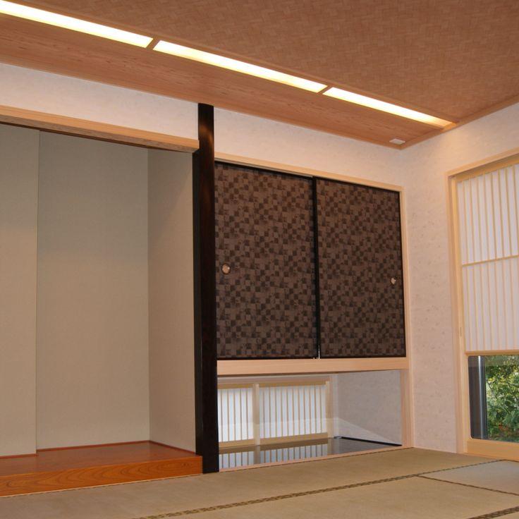 網代天井風のクロスや雰囲気の出る建具など日本人であることを堪能