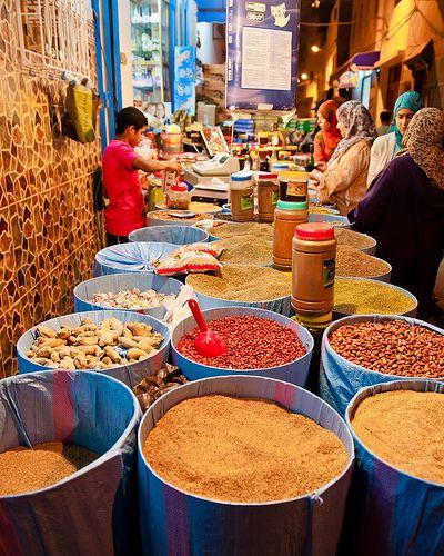 Tanger Marokko. Was gelijk gegrepen door de mooie kleuren....prachtig!! 1981 geweest.
