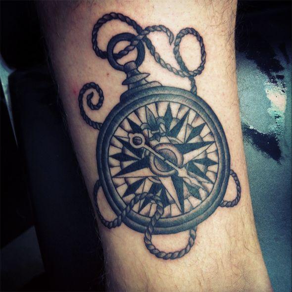 Les 25 meilleures id es concernant tatouage de boussole sur pinterest dessin boussole rose - Idee de tatouage ...