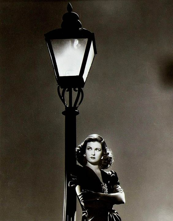 We love classic Hollywood film noir. We love the attitude, the silvery images, the betrayal, the sweeping music, the fatalism, the flawed human characters, the hard-boiled detective, the femme fat…