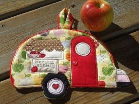 Happy Camper Pot Holders Are Super Cute | The WHOot