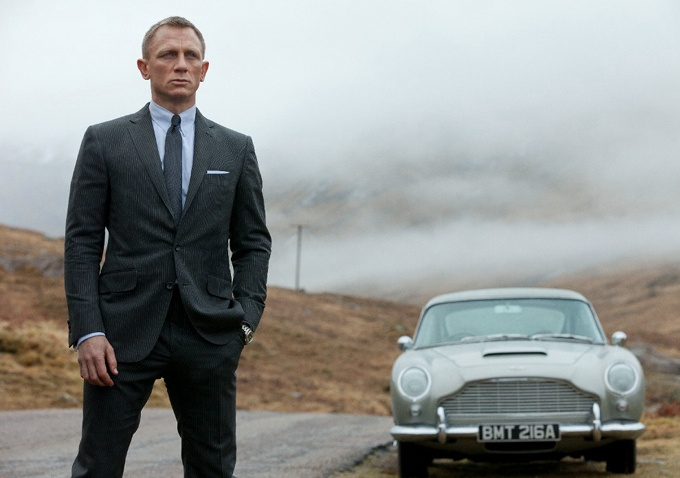 At 1st I didn't think Danial Craig would make a good James Bond but was I ever wrong! He's HOT!!! Oh nice car too! | Danial Craig as James Bond in Skyfall | @IndieWire