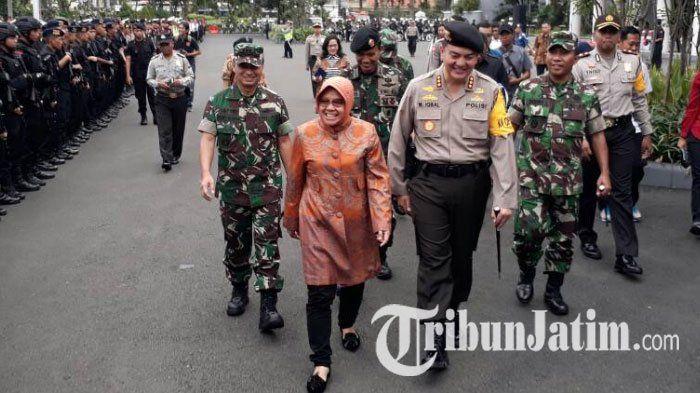 Jaga Keamanan Kota Surabaya, Tri Rismaharini Akan Tingkatkan Kekuatan Linmas dan Satpol PP