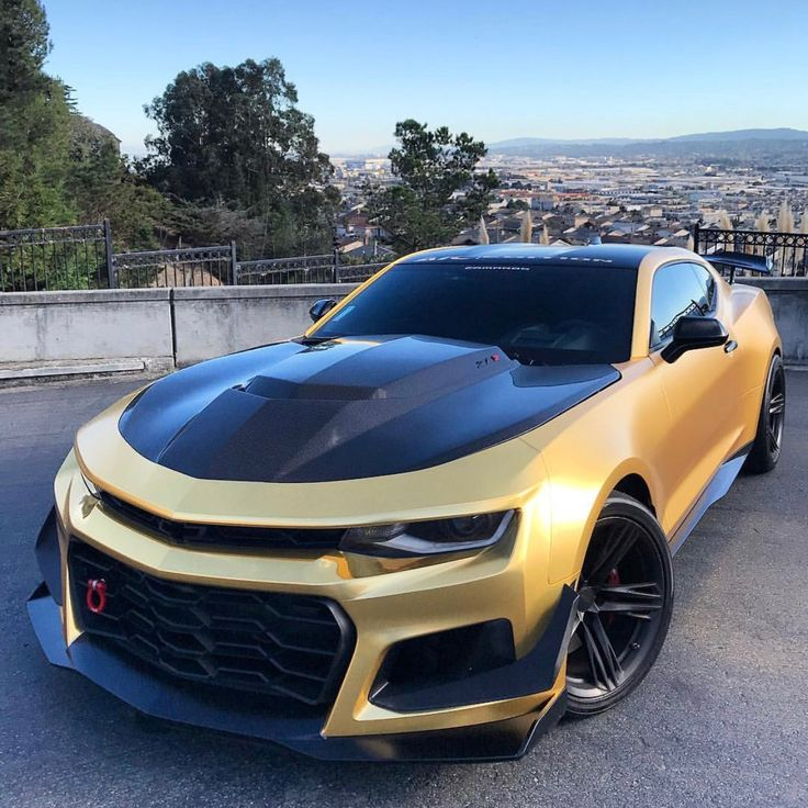 Chevrolet Camaro ZL1 1LE painted in Summit White and wrapped in Satin Chrome Gold  Photo taken by: @moezl1le on Instagram   Owned by: @moezl1le on Instagram