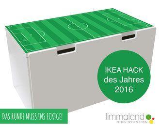 Für alle Kickerfreunde haben wir hier schon den IKEA Hack des Jahres 2016 ;-) ... Die IKEA Stuva Truhe passt perfekt zu einem Motto Fußball Kinderzimmer. Bastel dir in nur 5 Minuten einen echten Fußballtisch für dein TippKick oder deine kleinste Nationalmannschaft der Welt von Lego! So sollte ein Fußballzimmer aussehen und macht DIY echt Spaß. Dein Partner für IKEA HACKS // kids rooms soccer table www.limmaland.com