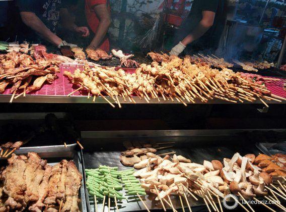 Des brochette au marché de nuit d'Hengchun !