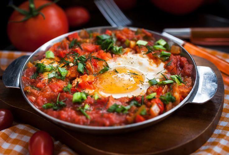 Jajka z sosem pomidorowym