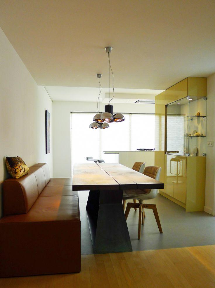 Dieren, ontwerp van dit keukenmeubel, inclusief de afwerkingen, kleuren en de inrichting. Waarbij het contact tussen verschillende ruimtes centraal stond.