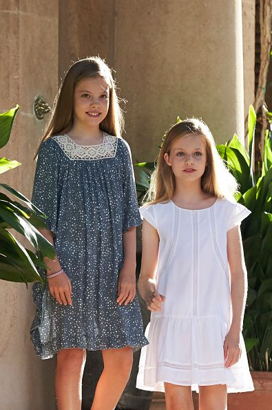 Princess Leonor of Spain (R) and Infanta Sofia of Spain (L) pose for the photographers during the summer photocall at the Marivent Palace on July 31, 2017 in Palma de Mallorca, Spain.