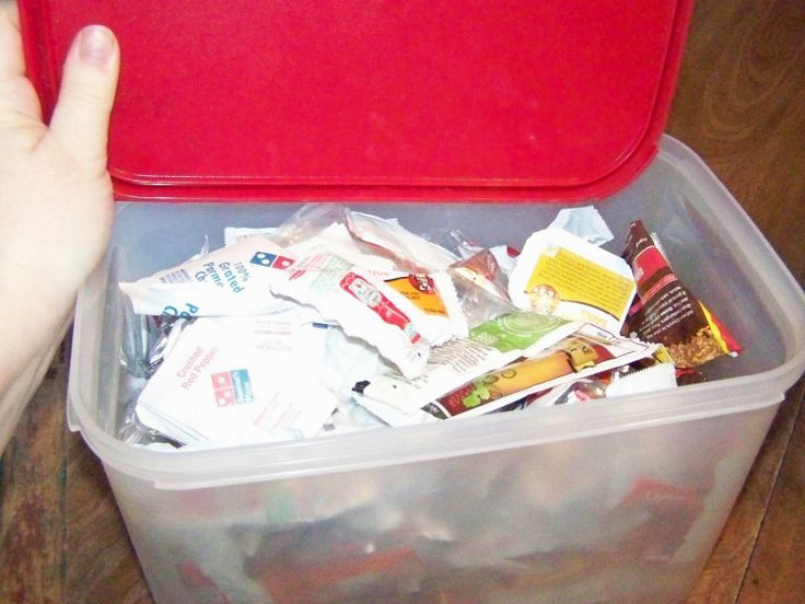 Free samples become great food storage and emergency rations.  Save those ketchup packets!! #foodstorage #wastenotwantnot