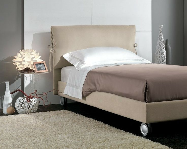 BADROOM - centri camerette specializzati in camere e camerette per ragazzi - letto singolo con testata imbottita e ruote