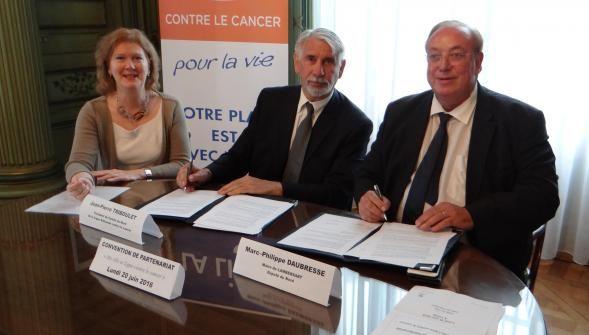 Ce lundi, en mairie, une convention de partenariat a été signée entre la commune et le Comité du Nord de la Ligue contre le cancer pour dé [...]…
