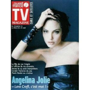 """Angelina Jolie 60 secondes chrono, Tomb Raider : """"Lara Croft, c'est moi !"""", dans TV Magazine Ouest-France n°16963 du 11/08/2000 [couverture et article mis en vente par Presse-Mémoire]"""