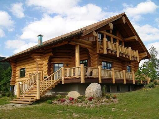 Now that's a log cabin!!   ♡♥♡