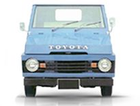 """Kijang generasi pertama diluncurkan pada tanggal 24 Januari 1977. Generasi pertama Toyota Kijang menerapkan konsep pickup dengan bentuk kotak mendasar. Model ini sering dijuluki """"Kijang Buaya"""" karena tutup kap mesinnya yang dapat dibuka sampai ke samping.    #TMMIN #ToyotaIndonesia #KijangCorner #KijangIndonesia"""