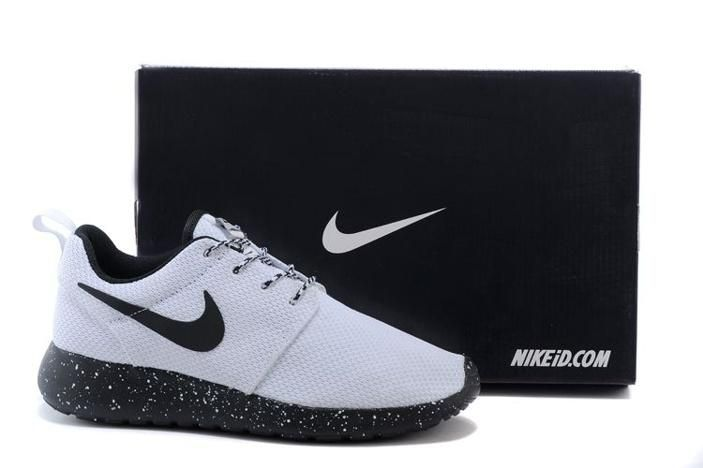 Nike Roshe Run Womens Shoes Oreos White Black Special