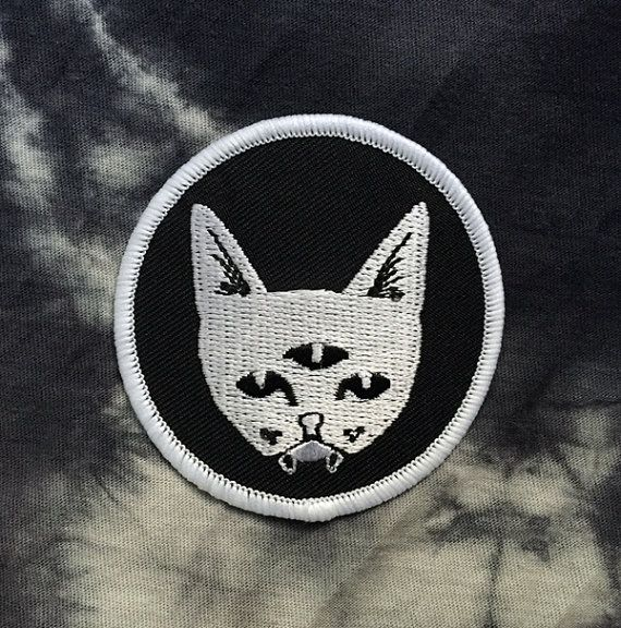 THREE EYED CAT invert colors  patch by Dripface on Etsy