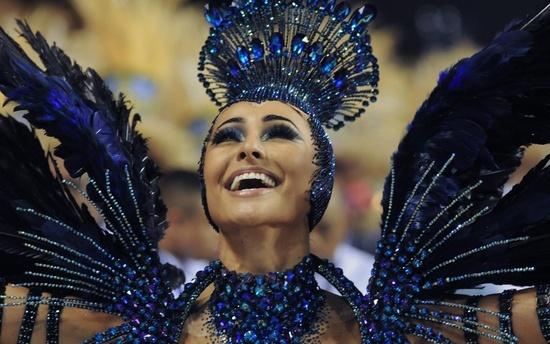 Rio Karnavalı, Brezilya'nın Rio de Janeiro şehrinde düzenlenen dünyanın en ünlü festivali ve en büyük karnavalı.   Hıristiyanlık inancındaki Büyük Perhiz'den önce düzenlenmektedir. Karnavalda düzenlenen geçişlerde samba okulları ve milyonlarca insan yer almaktadır.  http://www.wts.com.tr/brezilya.htm