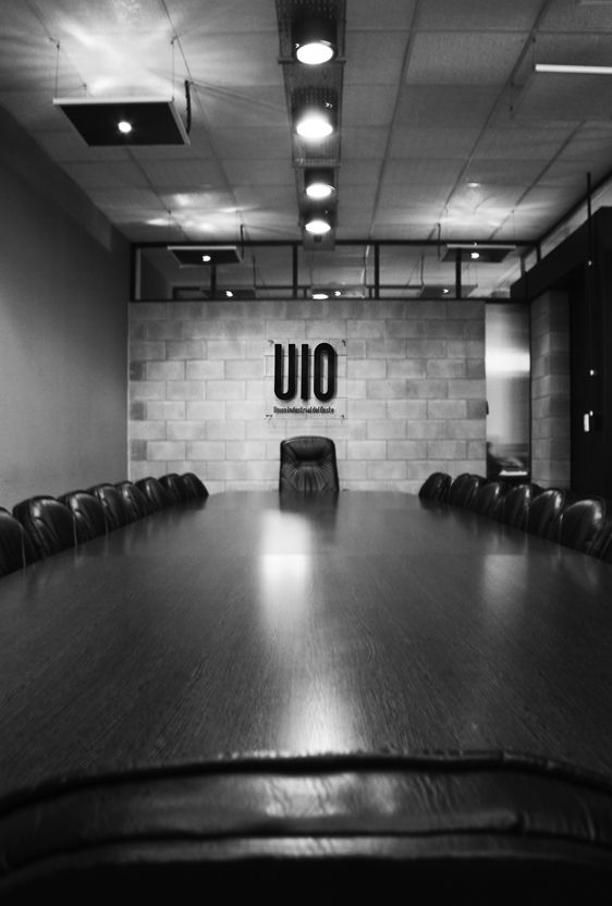 Unión Industrial del Oeste  #Oficinas #offices #corporate  http://vanguardaarchitects.com/what-we-do.php?sec=corporative-branding&project=68