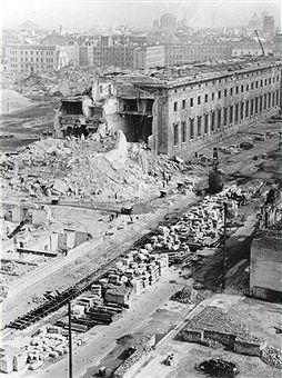 Berlin Neue Reichskanzlei - Demontage der Ruine (Blick vom Columbushaus am Potsdamer Platz)1950