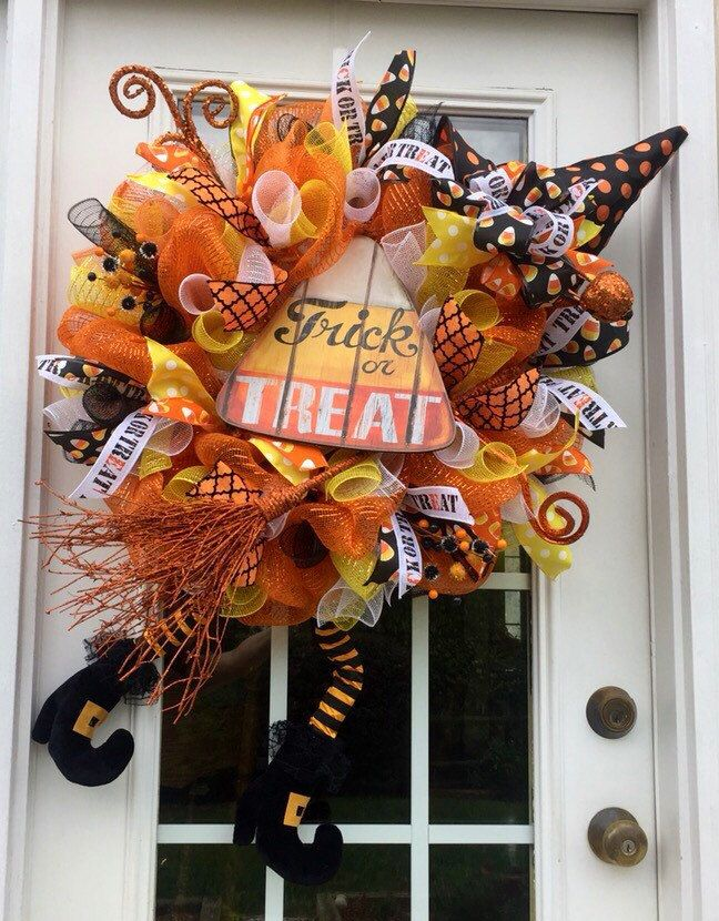 Halloween deco mesh wreath, Halloween mesh wreath, Witch wreath, Witch mesh wreath,Witch boots wreath,front door wreath, candy corn - pinned by pin4etsy.com